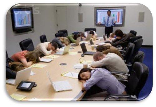 dormidos-en-una-reunión-de-trabajo
