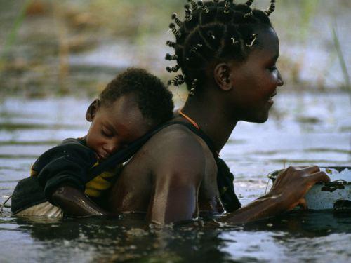 mother-child-botswana_3661_990x742